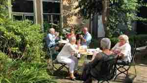 55plus: Heerlijk bijeenkomst in Bruine Cafe …